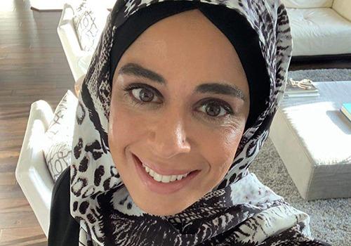 Anjum Hanafi selfie