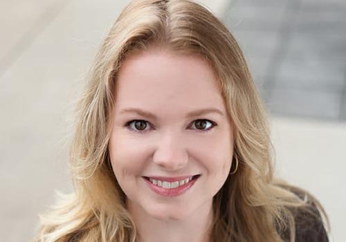 Nikki Swies headshot