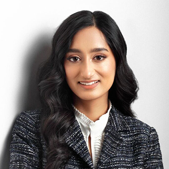 Portrait of Amani Ahmed, ConnectHER Board Member